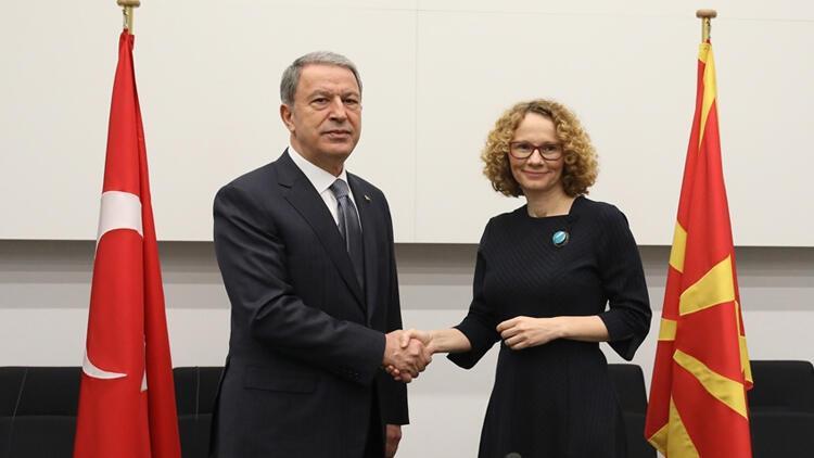 Bakan Akar, Kuzey Makedonya Savunma Bakanı Sekerinska ile görüştü