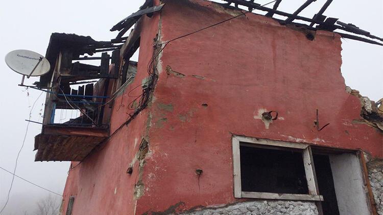 Bursa'da tehlike saçan bina yıkıldı