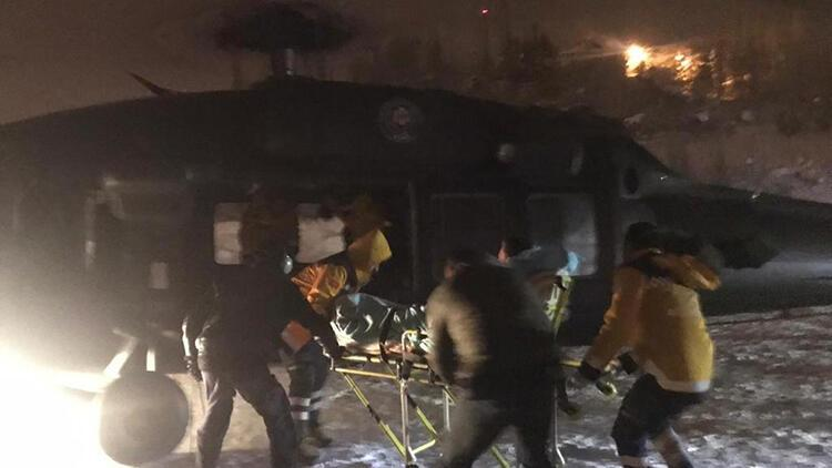 Kalp krizi geçiren polise meslektaşları helikopterle ulaştı
