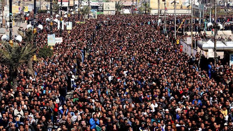 Bağdat'ta Şii lider Sadr yanlısı kadınlardan gösteri