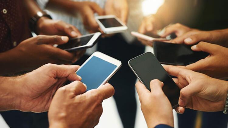 Cep telefonuna 5 yılda 12,8 milyar dolar harcandı