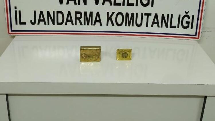 Van'da, Hitit ve Urartu dönemine ait 4 kilo kültçe altın ele geçirildi