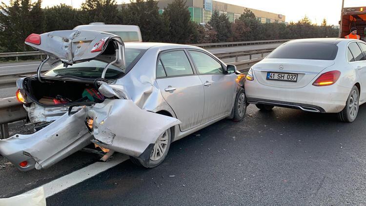 TEM Otoyolu'nda zincirleme kaza trafiğe neden oldu