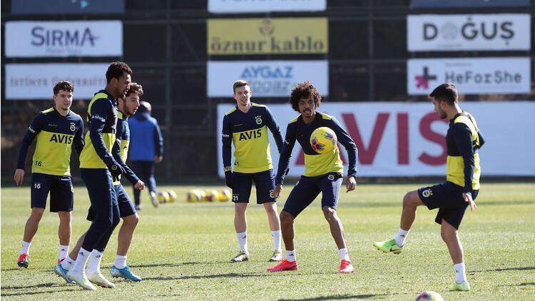 Fenerbahçe'de derbi mesaisi sürüyor