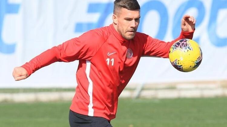 Lukas Podolski'den esktra mesai! İzin gününde...