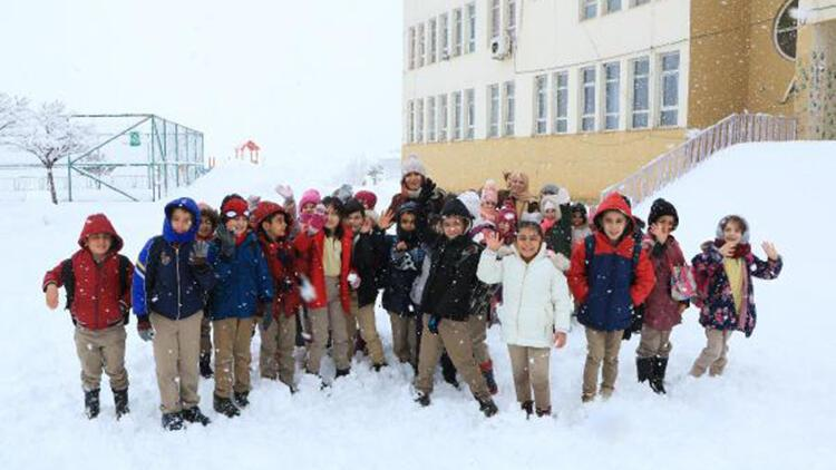 Hakkari ve Yüksekova'da okullara kar tatili