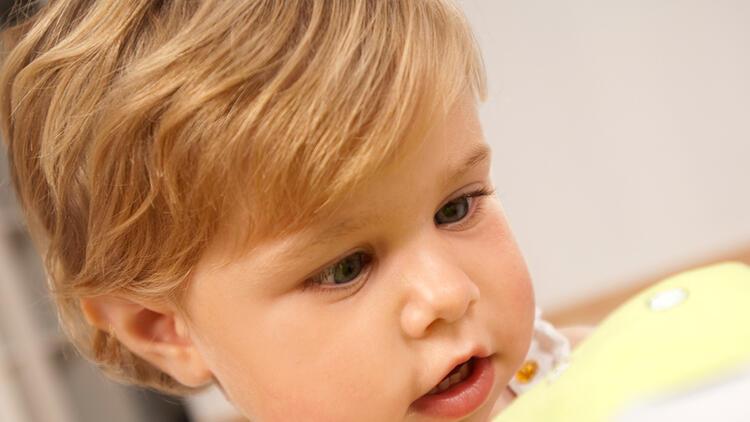 Çocuklarda şaşılık neden olur, genetik mi?