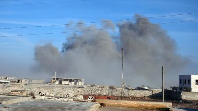 Rejim unsurları İdlib'de böyle vuruluyor! DHA görüntüledi
