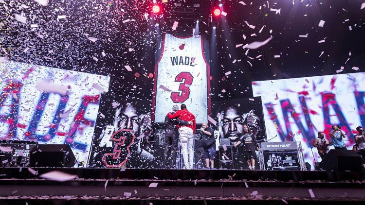 Miami Heat, Wade'in formasını emekliye ayırdı
