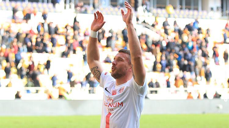 Lukas Podolski ve Felipe Melo'dan Fenerbahçe - Galatasaray derbisi için mesaj!