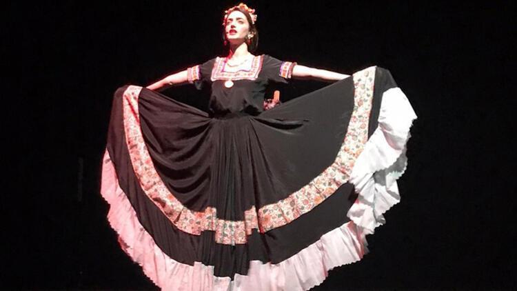 """20. Yüzyılın En Büyük Sanatçılarından """"Frida Kahlo"""" Oyunu Sahnelerde!"""