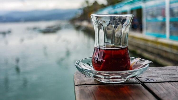 Gelin Size Bir Çay Ismarlayayım...