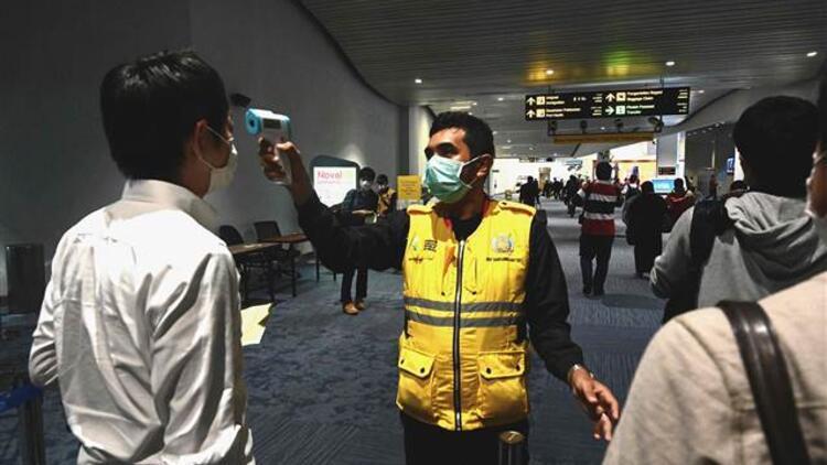 Endonezya'daki Çinli turistler, koronavirüs endişesiyle vizelerini uzattı