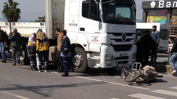 TIR'ın altında kalan motosikletli hayatını kaybetti