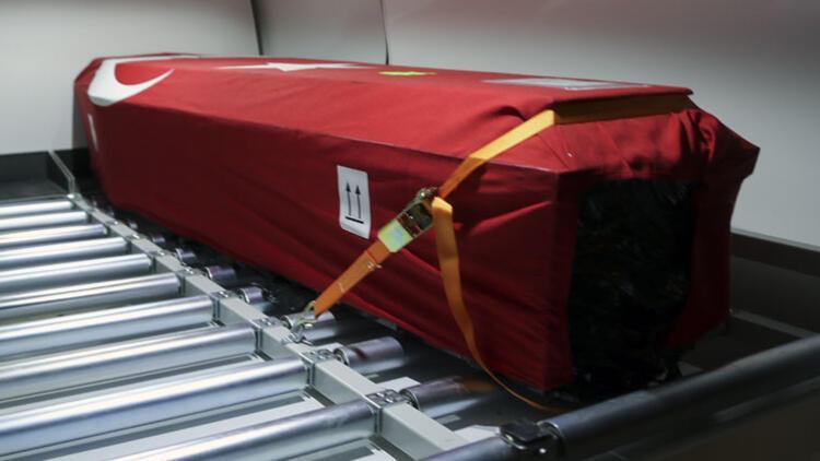 Gurbetçinin cenazesini Sağlık Bakanı karşıladı