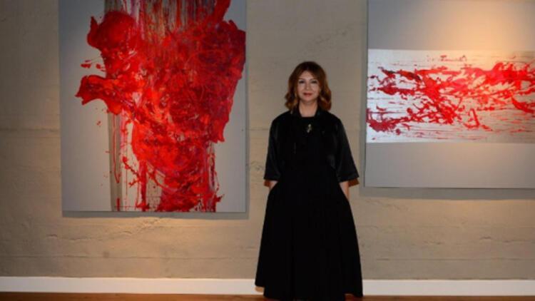 """Ressam Figen Batı: """"Varlığımın izlerini tuvalime aktarmaya çalışıyorum"""""""