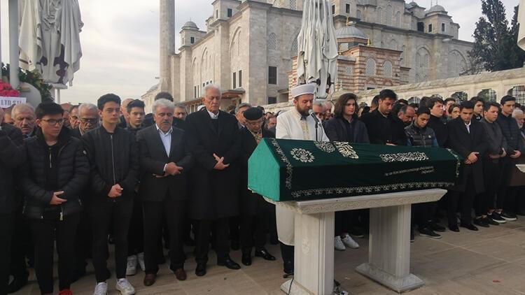 İstanbul'da intihar eden ünlü iş adamının oğluna gözyaşlarıyla veda