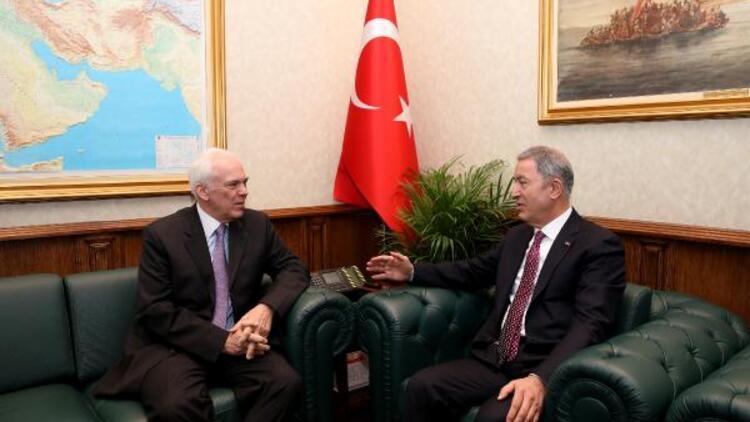 Bakan Akar, Yunanistan'ın Ankara Büyükelçisi Diamessis'i kabul etti