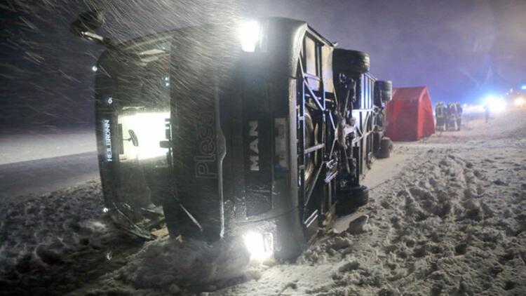 Kara kış geri geldi, yollar kapandı, kazalar oldu...
