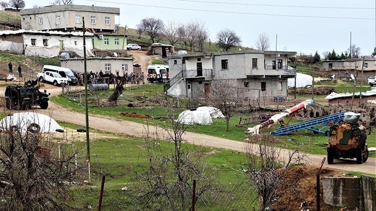 Diyarbakır'da taş, sopa ve silahlı arazi kavgası: 8 yaralı