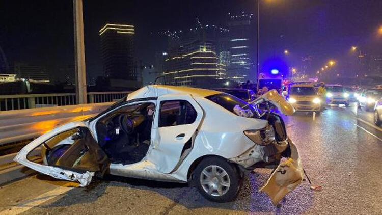 15 Temmuz Şehitler Köprüsü yolunda zincirleme kaza: 1'i ağır, 4 yaralı