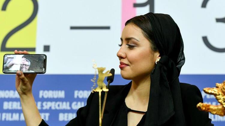 """Berlinale'de """"Altın Ayı"""" ödülünü """"Sheytan Vojud Nadarad"""" filmi kazandı"""