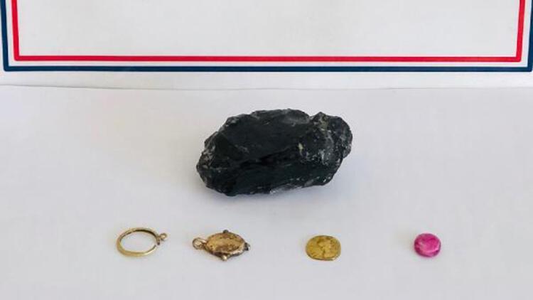 Erdemli'de tarihi eser operasyonu; Roma dönemine ait eserler ele geçirildi