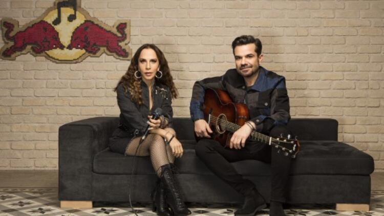 Türkçe Pop Müziğin En Güçlü Kadın Sesi: Sertab Erener'in En Sevilen Şarkıları