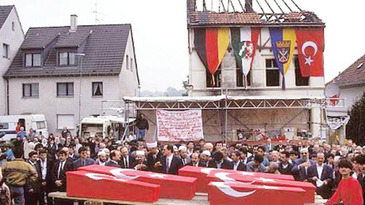 Mölln faciası... Başbakan törenlere katılmadı!..