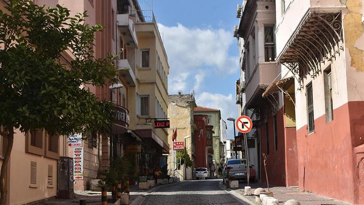 Basmane'de oteller boşaldı