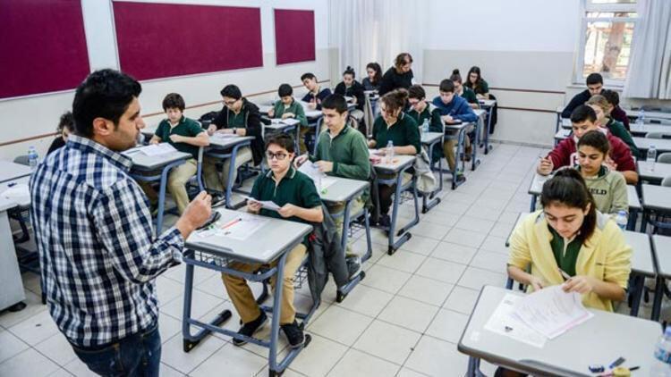 Son dakika haberler: Türkiyede Corona Virüs vakası görüldü Okullar tatil edilecek mi