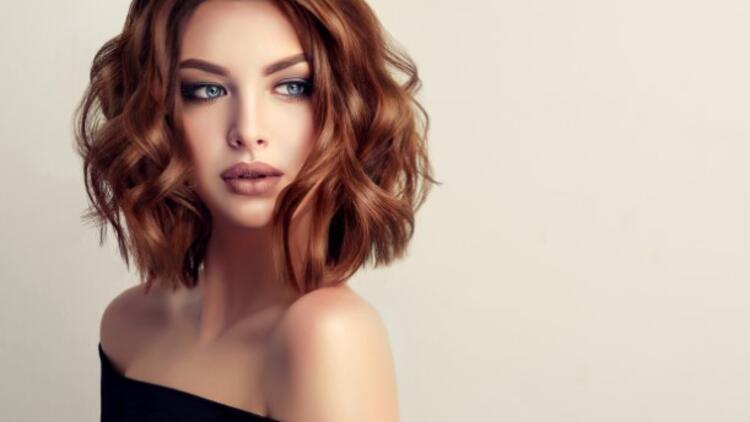 Koyu Karamel Saç Rengi Kimlere Yakışır? Akar Mı? Bakımı Nasıl Yapılır?