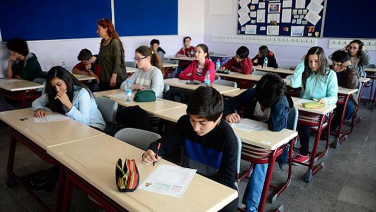 Bugün okullar tatil mi, okul bugün (13 Mart) var mı? Liseler ve ortaokullar ne zaman tatile giriyor?