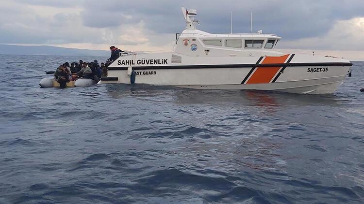 İzmir'de Yunanistan'ın ittiği 48 göçmen kurtarıldı