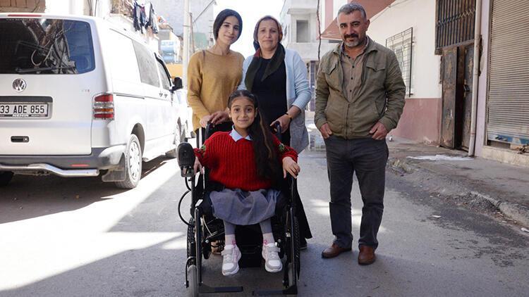 Küçük Hanım'ın akülü sandalye sevinci