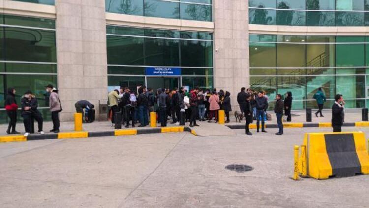 Sarp Sınır Kapısı yolcu geçişlerine kapatıldı