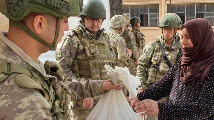 MSB: Mehmetçiğin yardım eli, ihtiyaç sahiplerine uzanmaya devam ediyor