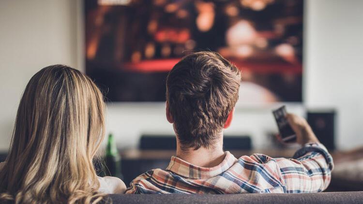 Koronavirüs herkesi eve kapattı, filmler erkenden internete düşüyor