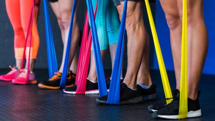 Evde sporu kolaylaştıran Direnç bandı veya pilates bandı olarak bilinen direnç lastiği nedir?
