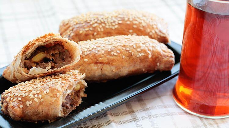 Patlıcan yemeğinden börek tarifi