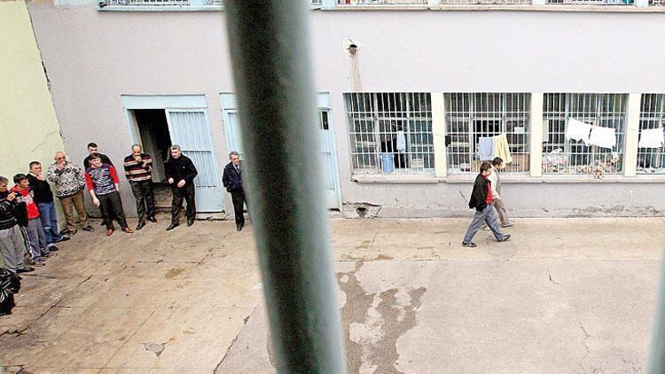 Son dakika haberler: Mahkumlara yüzde 50 infaz indirimi yolda! Köşk'te acil zirve, Erdoğan talimat verdi