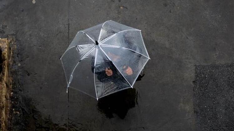 Son dakika... Gece saatlerinden itibaren İstanbul'da yağış bekleniyor