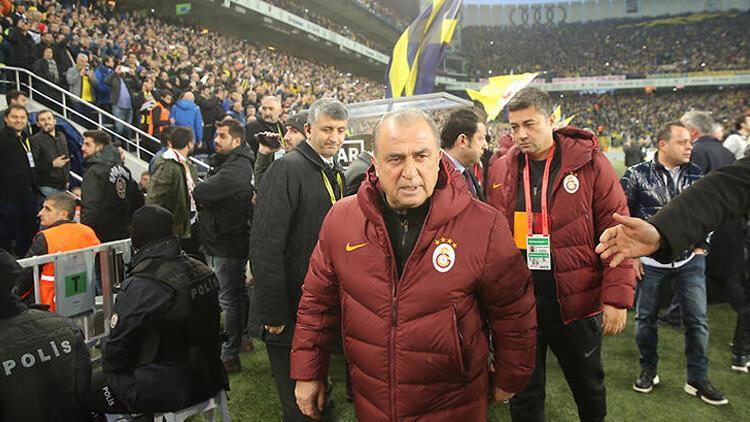 """Fenerbahçe'den Fatih Terim için """"geçmiş olsun"""" mesajı"""