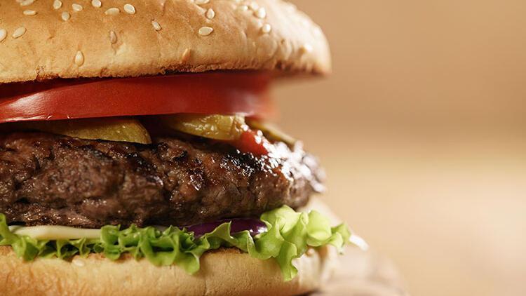 Restoranlarda yediğinizden çok daha nefis olacak bir gurme burgere ne dersiniz?
