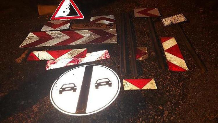 Mersin'de trafik işaret levhalarını sökerek, çalan hırsızlar yakalandı