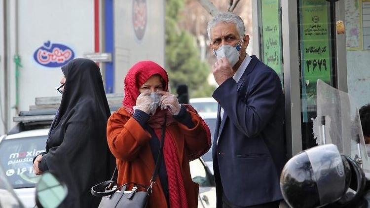 Son dakika haberi: İran'da son 24 saatte COVID-19'dan 143 insan daha öldü