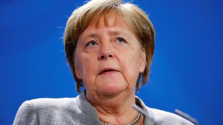 Merkel: Sizden sabır diliyorum