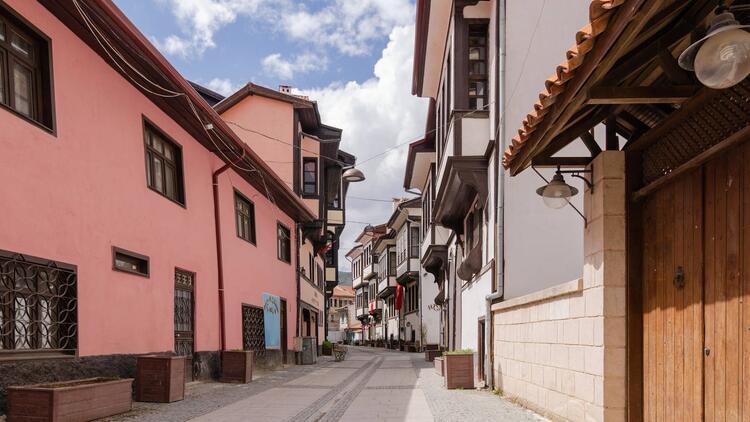 Porselen ve konaklar şehri: Kütahya