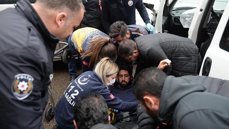 Caddede yarışırken sivil polis aracına çarptılar: 2'si polis 3 yaralı