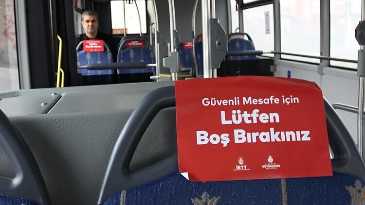 Otobüste koronavirüs önlemleri altında yolculuk